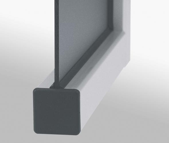 Elemente pentru montajul panourilor in canalul profilelor